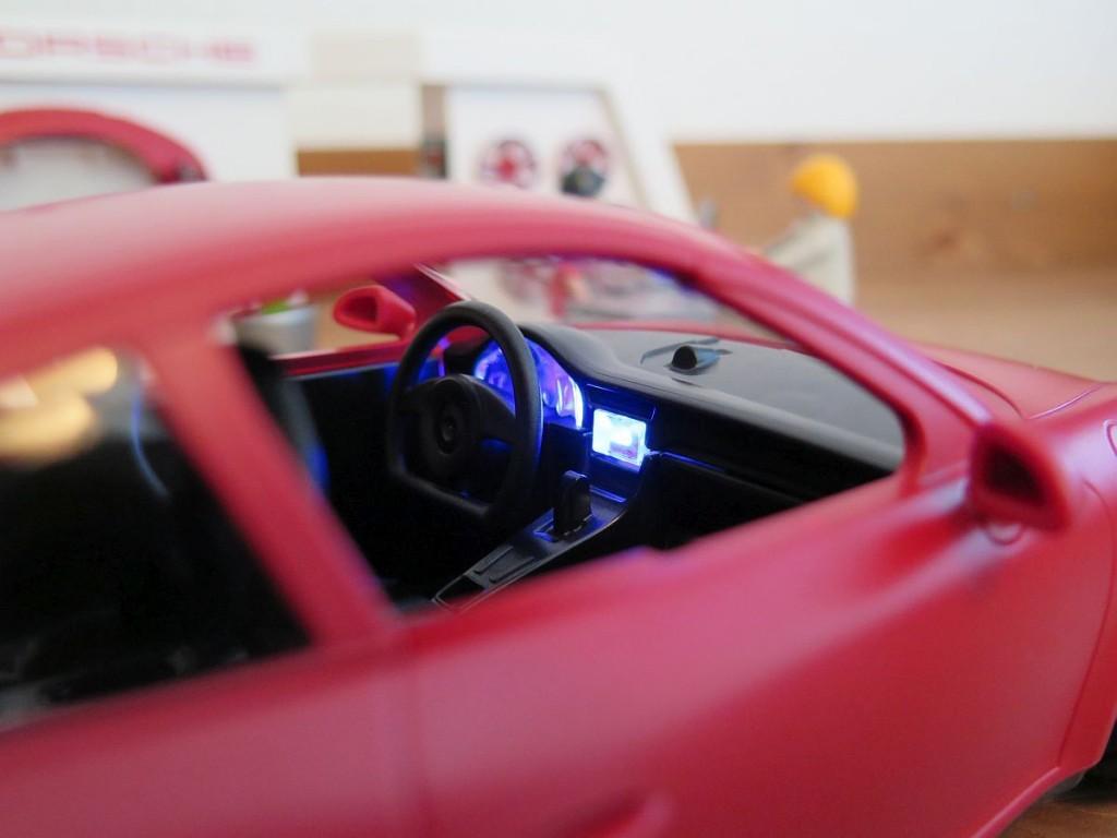 Porsche-911-Carrera-S-von-Playmobil-3911-Bild-Beleuchtetes-Cockpit