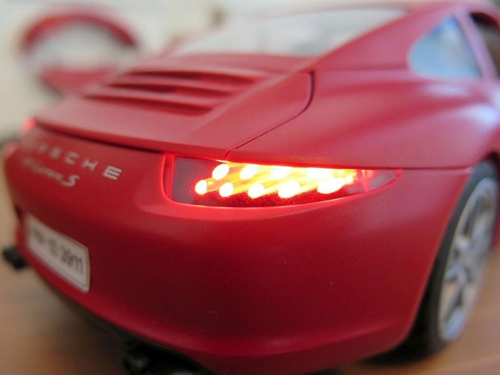 Porsche-911-Carrera-S-von-Playmobil-3911-Bild-Beleuchtetes-Heck