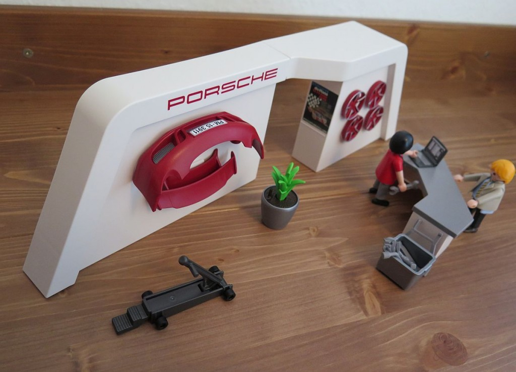 Porsche-911-Carrera-S-von-Playmobil-3911-Bild-Service-Werkstatt